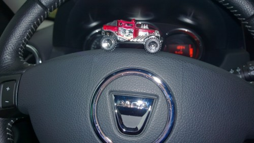 Kan också konstatera att vår bil varit på verkstad den här veckan. Körde en Dacia Duster som lånebil, också en upplevelse. :-D